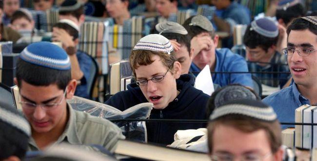 """תלמידי ישל""""צ לראש העיר: תן לנו לצעוד בירושלים"""
