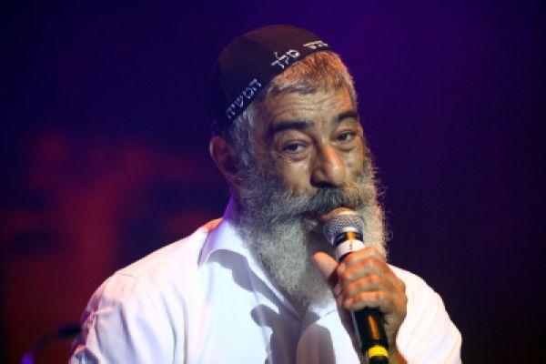 צפו: אריאל זילבר חיבר שיר תמיכה באלאור אזריה