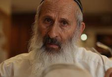 הרב אבינר מבהיר: 'גדולי עולם וצדיקים לא נהגו כך'