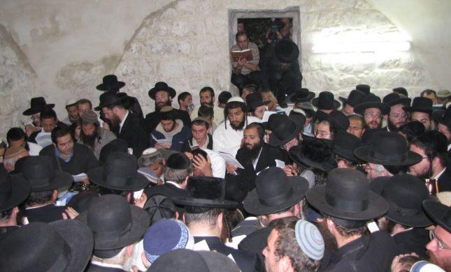 """שיא: 3,000 מתפללים בקבר יוסף בליל """"יסוד שביסוד"""""""