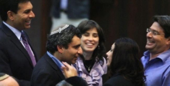"""סקר """"פאנלס"""" וערוץ הכנסת: רוב הציבור תומך בחוק החרם"""