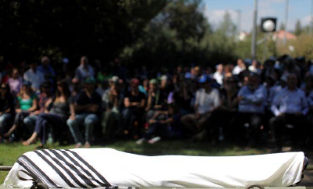 """תמונות וקולות מההספדים בהלווית הרב חנן פורת ז""""ל"""