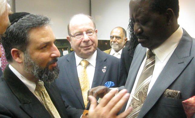 ראש מממשלת קניה קיבל 'שיעור מזורז' בהלכות מילה