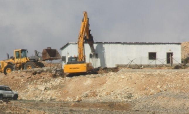המנהל האזרחי הרס כפר ערבי שסיכן את נוסעי כביש בגין
