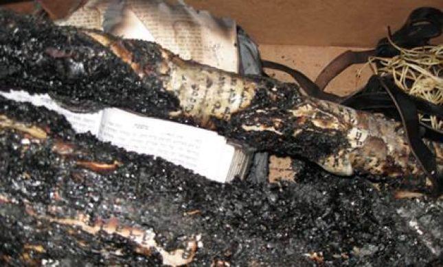 כצל'ה: יאיר לפיד הוא הגורם להצתת בית הכנסת בחריש