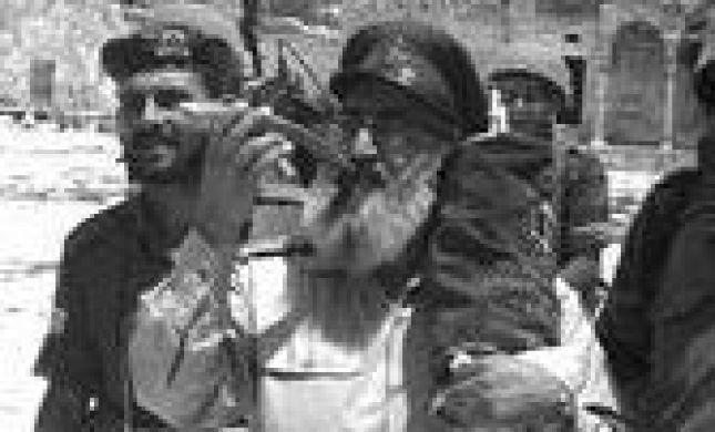 ותיקי הרבנות הצבאית: מסלפים את תורתו של הרב גורן