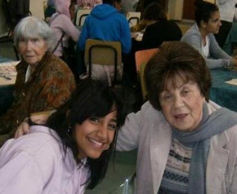 תלמידות אולפנה 'מאמצות' סבתות ניצולות שואה