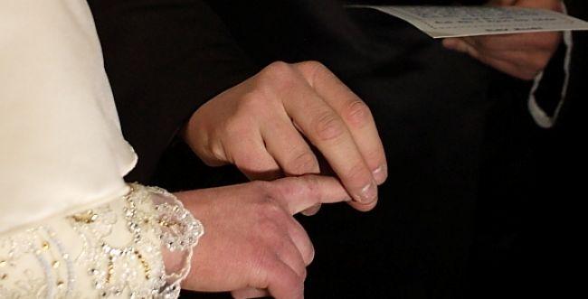 """רבע מהזוגות מתחתנים בחו""""ל; רבני צהר: זמן חירום אמיתי"""