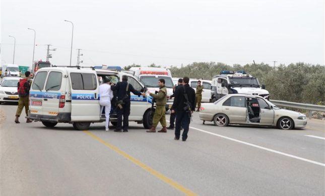 פיגוע דריסה בקרני שומרון: שוטרים ירו לעבר המחבלים