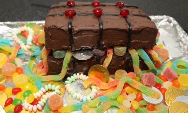 הרב מצגר קורא: להימנע ממשלוח מנות המכיל ממתקים