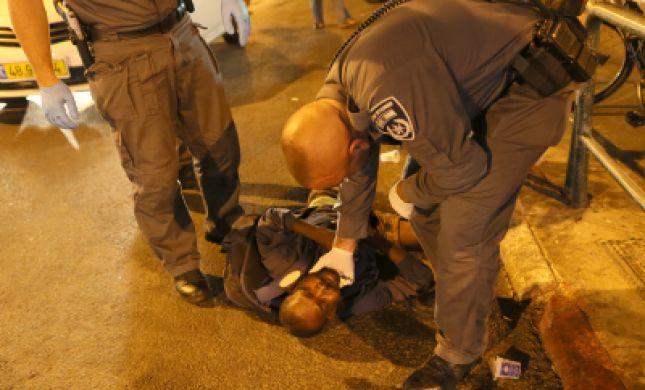 """דרום ת""""א: סודני פרץ לבית דקר אישה וניסה לתקוף ילדתה"""