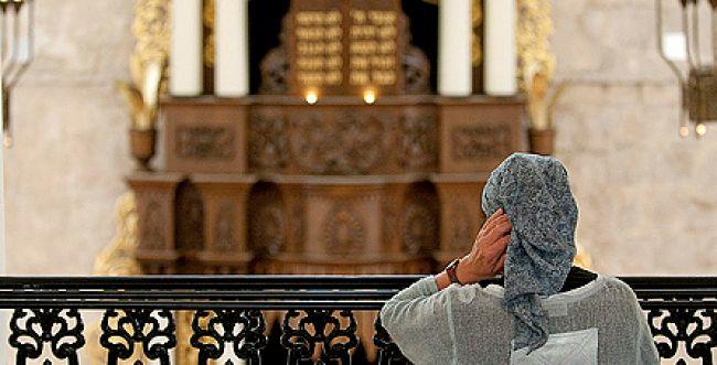 בית הלל בפסק חדש: נשים יכולות להגיד קדיש יתומה בבית הכנסת