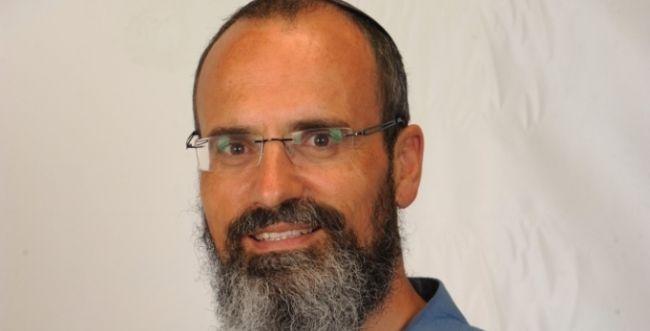 עורך 'בשבע': בנט נכנע לעיתונאים ובחר את הרב סתיו במחטף