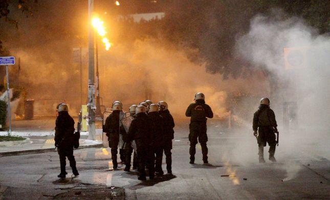טורקיה בלהבות: רבבות מפגינים נגד ארדואן