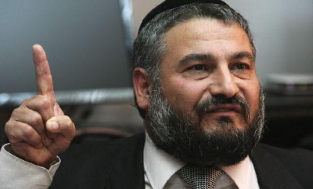 הבחירות בבית שמש: ראש העיר מחזר אחרי הקול הסרוג