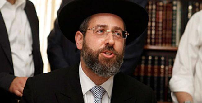 הרב לאו הבטיח: בנושא הגיורים אתייעץ עם הרב שרמן