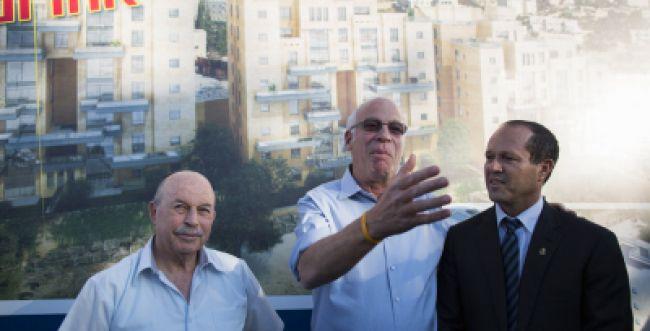 """אריאל: נמשיך לבנות אלפי דירות בירושלים וביו""""ש"""
