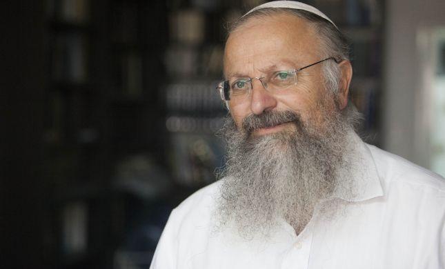 הרב אליהו: העמותות לגיוס בנות דתיות מפיצות שקרים