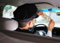 מצא 300,000 דולר במונית והחזיר אותם לנוסע