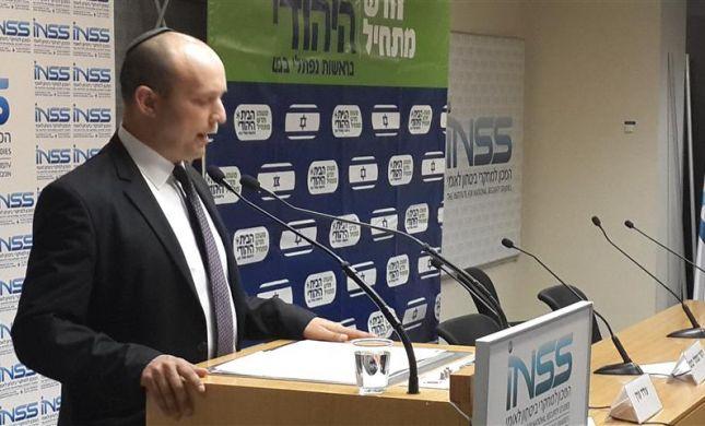 פרשנות: בנט לא שלל ישיבה בממשלה במקרה של פינוי ישובים