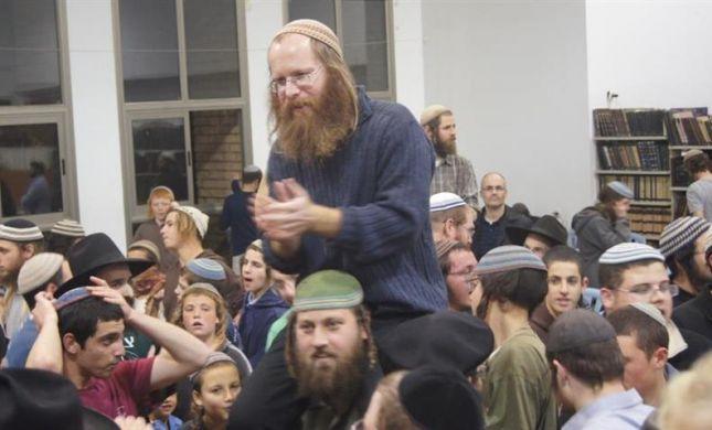 מאות חגגו את שובו של בעז אלברט ליצהר