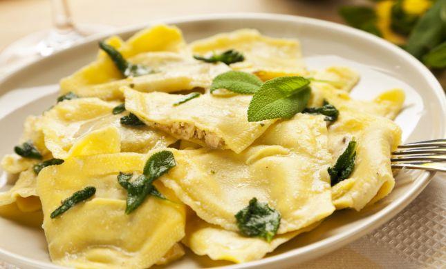 חגיגה איטלקית: מתכון לרביולי עם מגוון מילויים