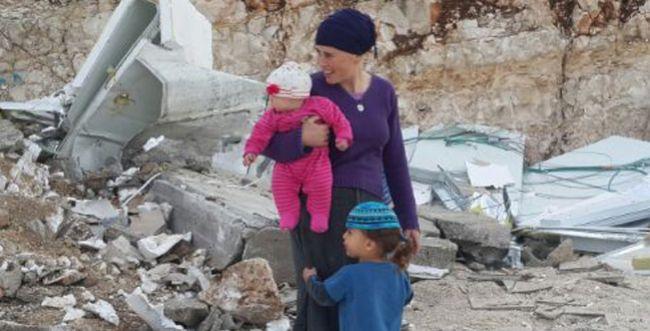 רגע לפני חנוכת הבית: בית משפחת לזר נהרס