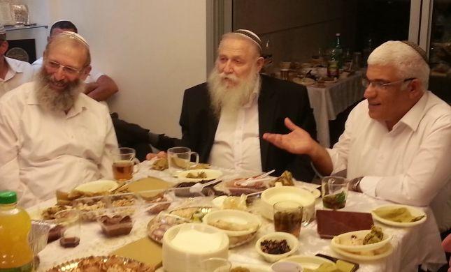 הרב דרוקמן בחגיגת המימונה אצל מנהלת אולפנת צפירה