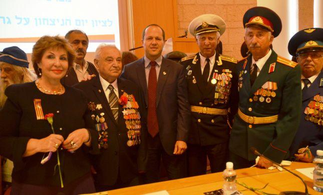 בחזה נפוח: הלוחמים חגגו 69 שנים לנצחון על גרמני הנאצית