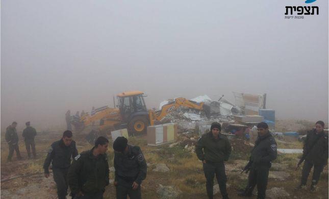 בחסות מזג האוויר: המנהל האזרחי הרס שלושה בתים במכמש