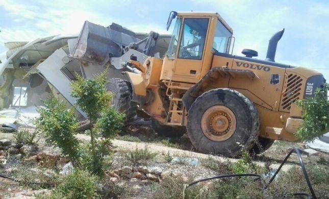 ההרס נמשך: דחפורים הורסים בתים בגבעת אסף