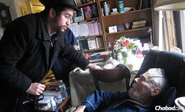 הגבר המבוגר בעולם: יהודי בן 111, ניצול שואה