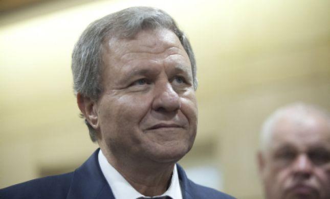 בגיל 69: השר לשעבר מאיר שטרית חוזר לפוליטיקה