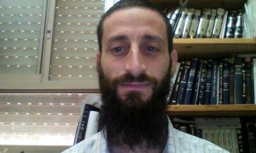 """שו""""ת שו""""ת: למה הרבנים רק מחמירים בנושאי צניעות?"""