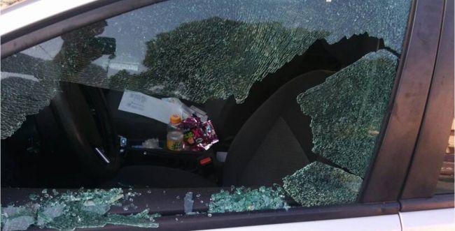 טרור ביפו: פורעים פגעו ברכבו של מנהל הגרעין