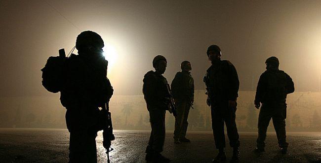 חיילים קראו לחסל מחבלים - ונשלחו לכלא