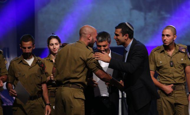 """אלף עולים מצרפת הצדיעו ללוחמי צה""""ל"""