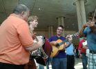 מוזיקה, תרבות למרות המצב: הכליזמרים הגיעו לארץ והתחילו לנגן