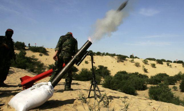 """צפו: מתקפת פצמ""""רים על מעבר כרם שלום"""