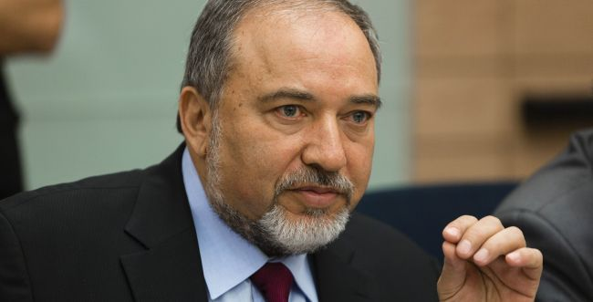 ליברמן נגד הקבינט: אסור לתת הישג לחמאס