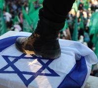 חדשות, חדשות בארץ החגיגות בעזה נמשכות: דורכים על דגלי ישראל