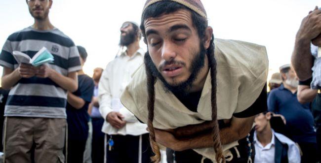 """הרב רא""""ם הכהן: יש לעדכן את נוסח תפילת 'נחם'"""