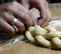 אוכלים לכבוד השנה החדשה: מתכון לחלות מקמח מלא