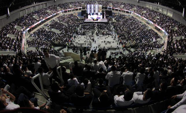 תיעוד: עצרת אלפים לזכרו של הרב עובדיה