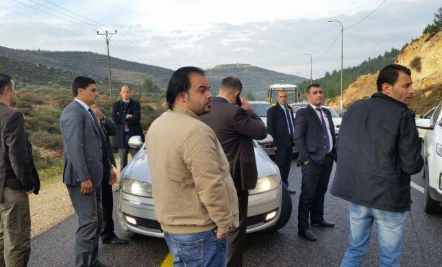 """צפו: שיירת רוה""""מ הרשות נעצרה בשל נהיגה פרועה"""