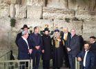 הרבנות הראשית לישראל, יהדות הדלקת נר חנוכה במקום הקרוב ביותר לנס פך השמן