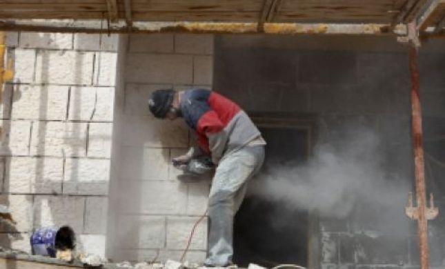 הפלסטינים בונים פי 16 בנייה בלתי חוקית
