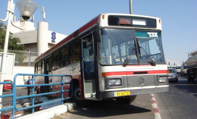האם מניעת אוטובוסים בשבת זו לא כפיה דתית?
