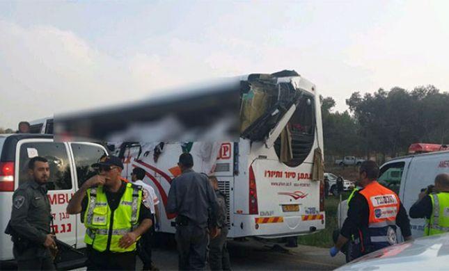 תאונה: תאונה קשה בצומת להבים בנגב: 8 בדואיות נהרגו