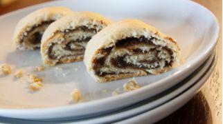 """אוכלים, מתכוני פרווה מתכון לט""""ו בשבט: מתכון לעוגיות תמרים (מעמול)"""
